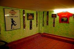 Detalle del espacio de reunión: grupo fútbol sala. Local de la Calle Pan y Toros nº 25